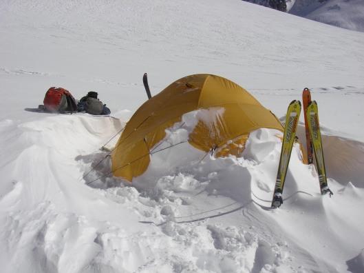 Veel wind, sneeuw en een tentje op een open gletsjer: miserie 's anderendaags
