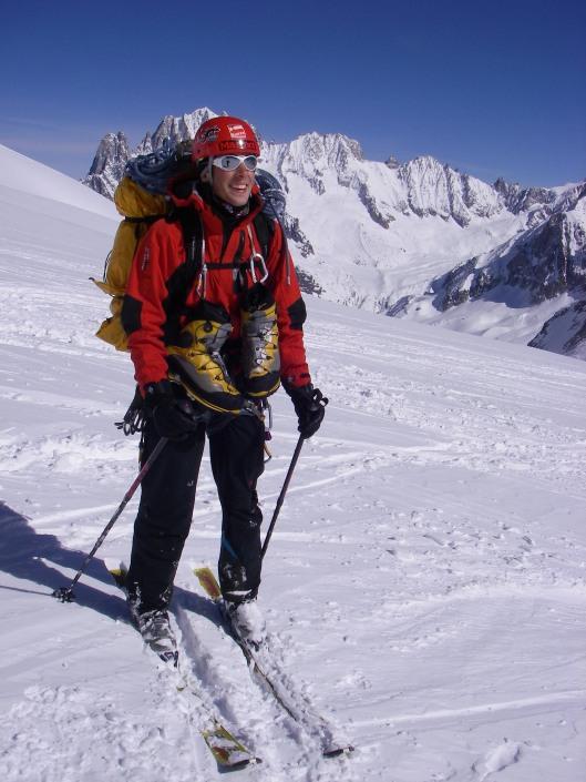 Teveel bagage, eigenlijk lachte ik niet tijdens het skiën zoals op de foto
