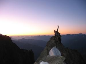 Marijke balancerend in het ochtendlicht