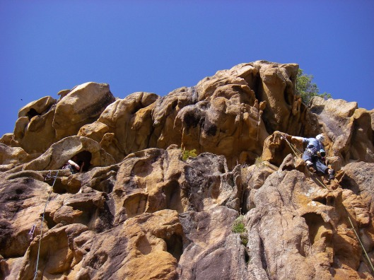 Sam en Joris lijken te verdwalen op al die prachtige rots