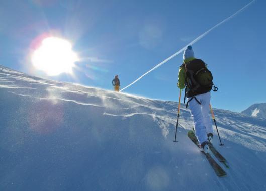 Rogier en Sandra richting de top van de Paneyron (2785m)