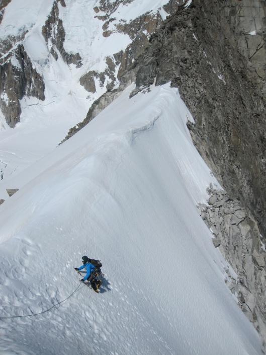 Jeroen Topt als laatste uit op de Col Oriental ©Denis