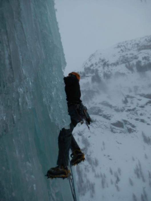 Quinten aan het afklimmen in de 2e lengte van Stella Artis