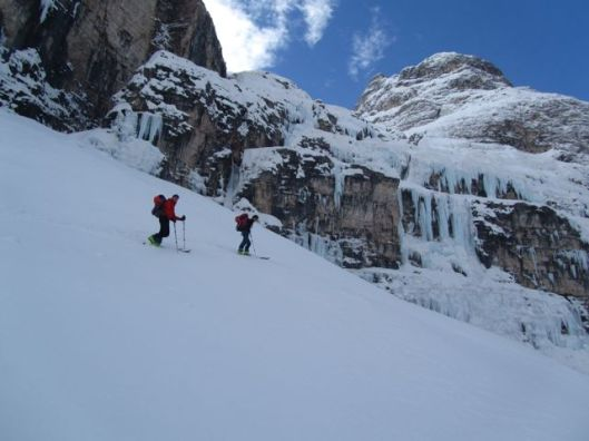 Reaching the Travenanzes ice-falls after two hours approaching ©Sanne