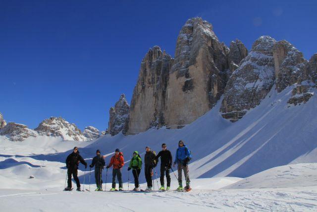 The team underneath the famous 3 Cime di Lavaredo ©Sanne