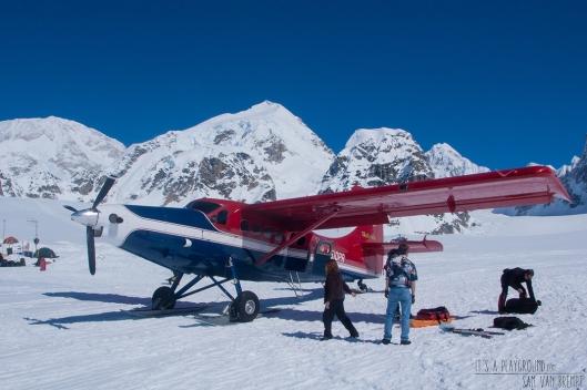 De landingsbaan aan het basiskamp onder Mt. Hunter