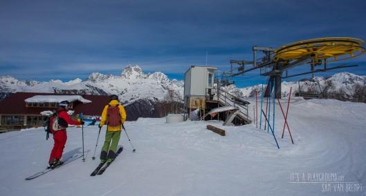 Skiën in Mestia met Ushba (4710M) op de achtergrond